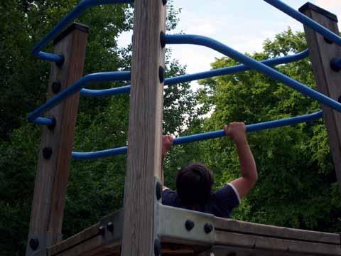 Klettergerüst Von Oben : Klettergerüst mit rutsche und netz in lampertheim sonstiges für